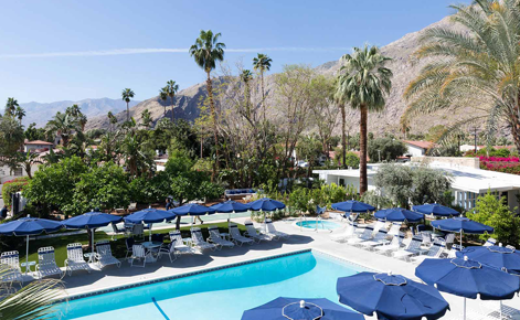 Gift card image of the pool with the mountains in the background